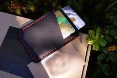 Possuidor de cartão para cartões e cartões de banco Detalhes e close-up foto de stock