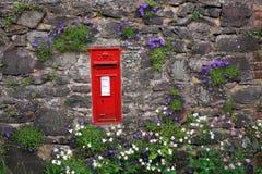 Post doos in een muur op Exmoor Stock Foto