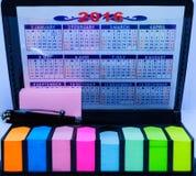 Post-it e calendário foto de stock