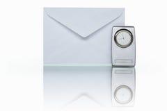 Post en klok Royalty-vrije Stock Afbeeldingen