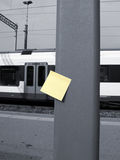 Post-it et gare Photo libre de droits
