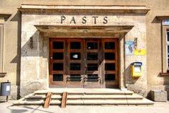 Post Isometrisches Gebäude stockfoto