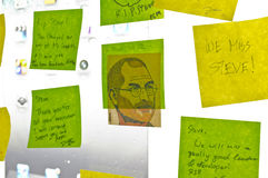 Post-its om hulde Steve Jobs te betalen Royalty-vrije Stock Foto
