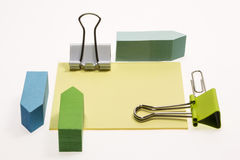 Post-it, Paper clips and Binder Clips Royalty Free Stock Image