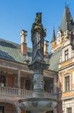 Postać Jeus i maryja dziewica na kolumnie w pałac a Zdjęcia Royalty Free