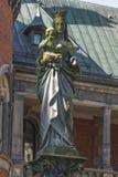 Postać Jeus i maryja dziewica na kolumnie w pałac a Fotografia Royalty Free