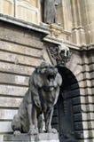 Postać kamienny lew w Węgierskim kapitale Budapest Zdjęcie Royalty Free
