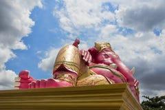 Postać różowy Ganesha w niebie Zdjęcia Stock