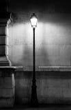 Posta d'annata della lampada a Parigi Fotografia Stock Libera da Diritti