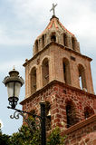Posta della lampada e chiesa storica Fotografie Stock Libere da Diritti