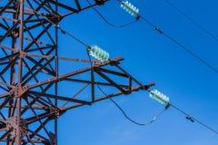 Posta di elettricità dei collegamenti di volt Immagini Stock Libere da Diritti