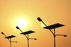 Posta di elettricità e pile solari Fotografia Stock