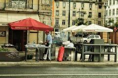 Posta di torrefazione delle sardine a Lisbona immagine stock libera da diritti