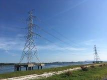 Posta elettrica ad alta tensione del trasferimento di elettricità da potere pl Immagini Stock