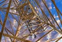 Posta elettrica di alta tensione della torre Immagine Stock Libera da Diritti