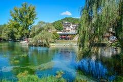 Posta Fibreno naturlig reserv för sjö, i landskapet av Frosinone, Lazio, Italien Royaltyfri Fotografi