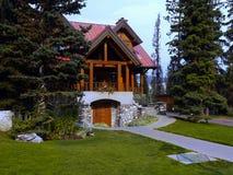 Posta hotellet, Lake Louise, kanadensiska steniga berg Arkivfoton