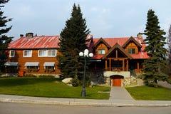 Posta hotellet, Lake Louise, kanadensiska steniga berg Royaltyfri Bild