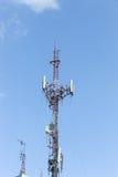 Posta o torre ad alta tensione di alta tensione Fotografia Stock
