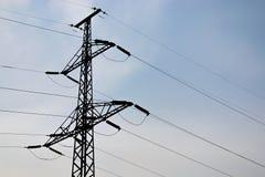 Posta o torre ad alta tensione di alta tensione Fotografia Stock Libera da Diritti