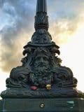 Posta Parigi Francia della lampada della scultura Fotografie Stock