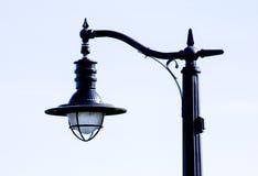 Posta unica della lampada vicino a più rivier Immagini Stock Libere da Diritti
