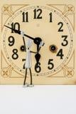 Postaci napraw antyka zegar (1) fotografia royalty free