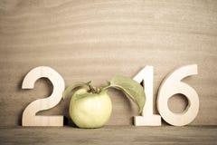 Postacie w 2016 z jabłkiem zamiast liczby (0) na Obraz Stock