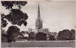 Postal blanco y negro del vintage de los años 30 de la catedral de Norwich fotografía de archivo