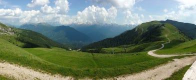 Postal de Italia de las montañas de Dolomiti Fotografía de archivo