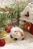 Postal de la Navidad con las ovejas del Año Nuevo Fotografía de archivo