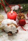 Postal de la Navidad con las ovejas del Año Nuevo Imagen de archivo libre de regalías