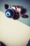 Postal de la Navidad en colores azules Foto de archivo