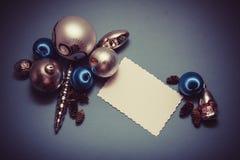 Postal de la Navidad en colores azules Imagen de archivo libre de regalías