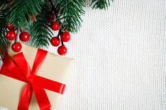 Postal de la Navidad Presente de Navidad Foto de archivo libre de regalías