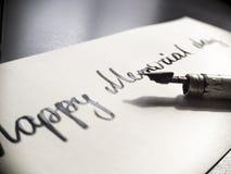 Postal feliz de la caligrafía y de las letras del Memorial Day Extremadamente primer Foto de archivo