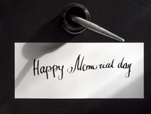 Postal feliz de la caligrafía y de las letras del Memorial Day Visión superior El primer duro Imagen de archivo
