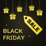 postal festiva Cajas de regalo de oro colgantes y VENTA de precio e inscripción Black Friday en fondo negro Vector ilustración del vector