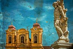 Postal vieja con la estatua de la bóveda alemana y de la trinidad santa Timisoara Imagen de archivo libre de regalías