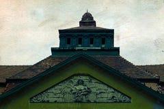Postal vieja de un edificio histórico Timisoara 2 imagenes de archivo