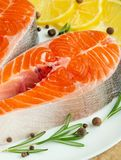 Postas frescas deliciosas, salmões, truta Alimento limpo e saboroso fotos de stock