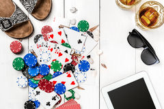 Postblog sociale media pook De lay-outmodel van het bannermalplaatje voor online casino Houten witte lijst, hoogste mening aangaa Stock Foto's