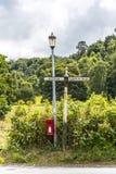 Postbox blisko Alderley krawędzi w Cheshire wsi Obrazy Stock