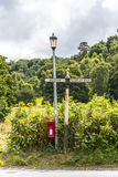 Postbox nära den Alderley kanten i Cheshire Countryside Arkivbilder