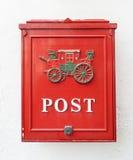Postbox rosso fotografie stock libere da diritti