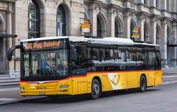 Postbus in Winterthur, die Schweiz Lizenzfreie Stockbilder