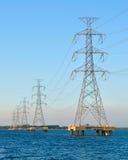 Poste de alto voltaje eléctrico Imagenes de archivo