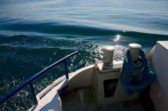 Poste de amarração da amarração no lago Genebra imagens de stock
