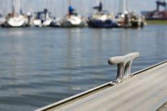 Poste de amarração do porto Imagem de Stock
