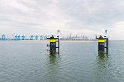 Poste di attracco nel porto di Rotterdam Immagini Stock